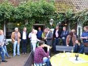 Auch das Wetter zeigte sich beim klartext-Umtrunk von der besten Seite. Bildmitte: klartext-Gründerin Rita Stiens (links) und Samtgemeinde-Bürgermeister Dr. Horst Baier.