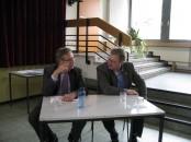 Ankums Bürgermeister Detert Brummer-Bange (rechts) und Dr. Horst Baier.