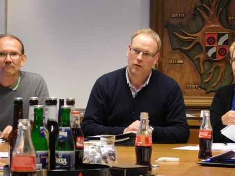 Bürgermeister Markus Frerker (CDU) brachte den Haushaltsentwurf 2015 einstimmig durch den Gemeinderat.