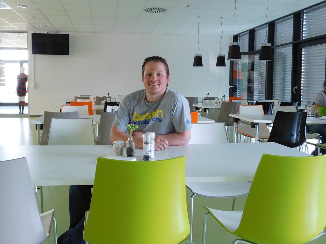 Personalmanager Bjoern Knabke ist im Riester Werk der Mitarbeiter mit der Nr. 1. Er war der erste Mitarbeiter des Logistikzentrums.