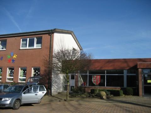 Die Grundschule in Kettenkamp.