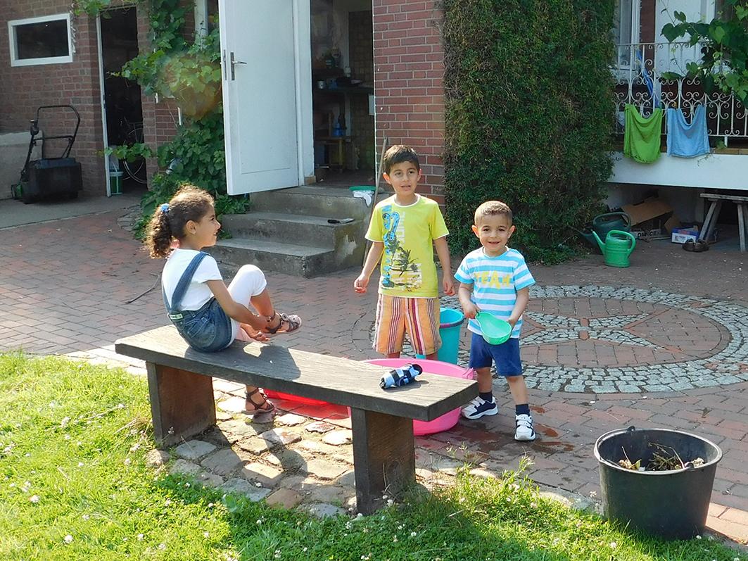 Diese syrischen Kinder leben in Alfhausen (mehr dazu hier) und lernen schon jetzt im Kindergarten die deutsche Sprache.