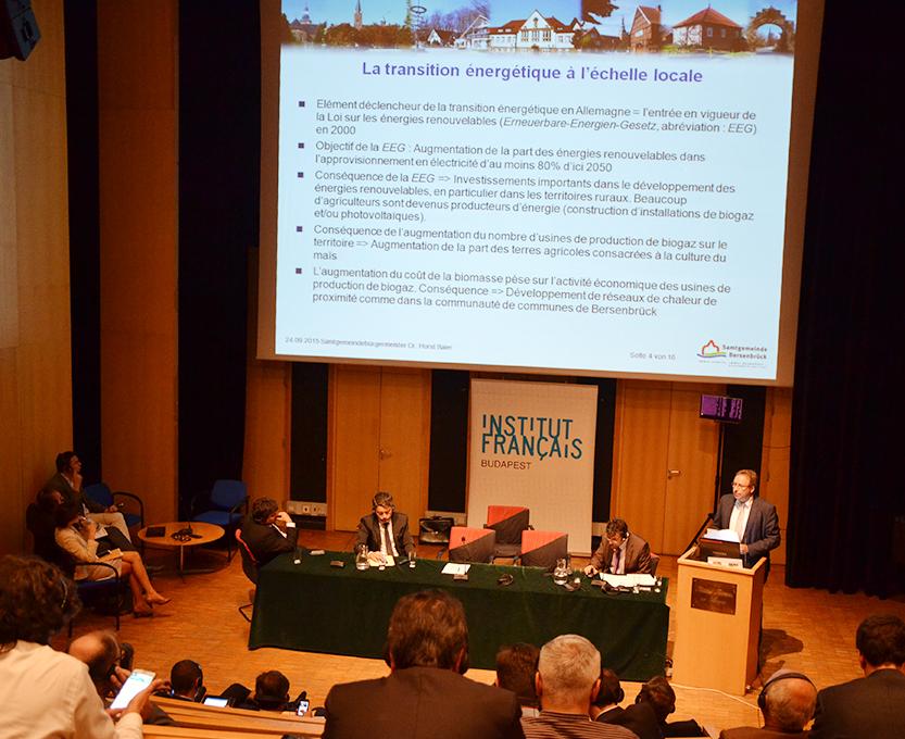 Dr. Horst Baier referierte im Institut Français in Budapest. An der Konferenz waren Städte- und Gemeindebünde aus sechs europäischen Ländern beteiligt.