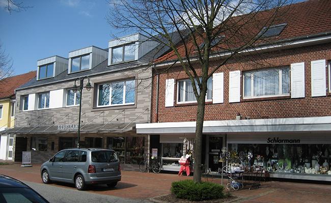 Die Lindenstraße bietet mit dem exquisiten Schmuckgeschäft Kreuzkamp und mit Schlarmann zwei traditionsreiche Geschäfte.