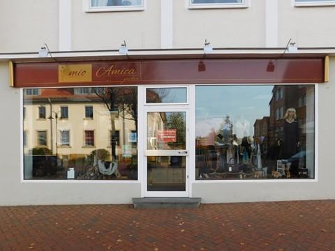 """Die Boutique """"mio Amica"""" ist das einzige inhabergeführte Modegeschäft in der Lindenstraße."""