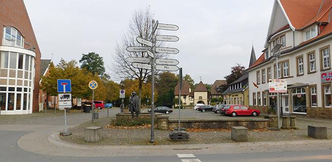 Bersenbrücks Markt ist derzeit mehr Parkplatz als Marktplatz. Beschlossen wurde: Es soll barrierefrei erreichbar sein. Beschlüsse zu weiteren Veränderungen gibt es noch nicht.