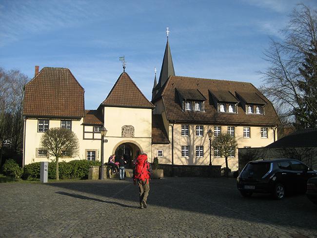 Historisches Erbe: Jenseits der Klosterpforte liegt im einstigen Klosterbezirk das Kreismuseum.