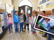 Zu Fuß zur Schule kommen, mit dem Fahrrad oder dem Bus statt mit dem Auto gebracht zu werden: Ehrensache fürs Energieteam Gehrde und Lehrerin Mechtild Imwalle. Die Freude über den Umweltpreis Grüner Hase und die 250 € Preisgeld war riesengroß.