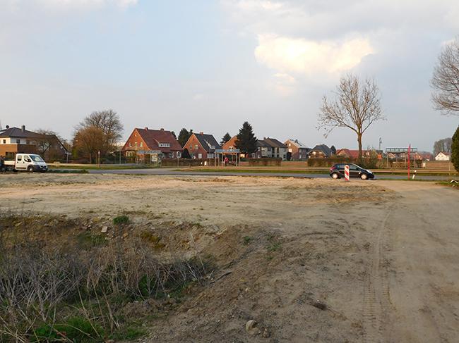 Viele offene Fragen zu diesem Grundstück, darunter die Frage, wer den Abtransport des Abriss-Schutts finanzierte. Der Weßling-Besitzer oder die Gemeinde?