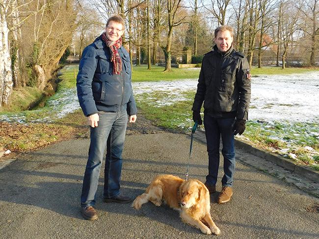 Markus Revermann (links) und Ralf Richter stellten für die UWG Rieste den Antrag, die Kosten auf die Hälfte zu reduzieren.
