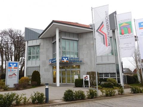 """Die in Alfhausen ansässige """"Baugenossenschaft Landkreis Bersenbrück"""" ist der große Mitspieler im Wohnungsmark. Günstigen Wohnraum schuf sie bislang nicht."""