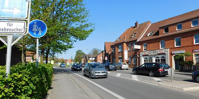 Am Morgen, wurde berichtet, war der Kreisverkehr an der Tütinger Straße dicht. Gegen 17 Uhr floss der Verkehr, wie dieses Bild zeigt, normal.