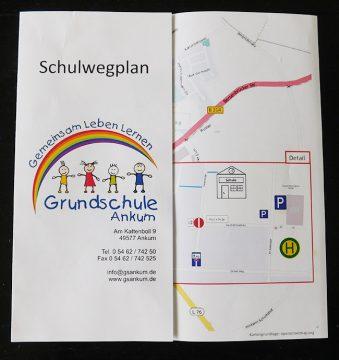 Der Schulwegeplan für die Grundschule liegt als Flyer in gedruckter Form vor.