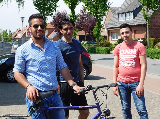 Ein Fahrrad gibt es für die WG. Vielleicht finden sich ja noch Spender für weitere Räder, damit nicht mehr als nur eine Person gleichzeitig mobil sein kann.