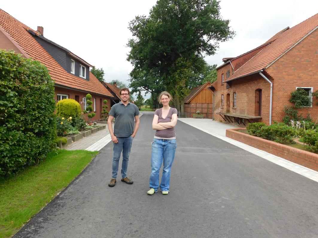 Konnten sich nicht über den Einweihungsakt freuen: Maria und Mathias Möller, die zu den vier Anliegern gehören, auf die demnächst eine hohe Rechnung zukommen wird.