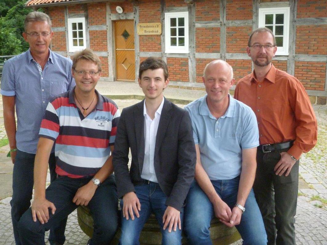 Kandidaten der UWG Samtgemeinde (von links): Holger Glenewinkel, Markus Revermann,Steffen Zander, Michael Lange, Frank von der Haar. Nicht auf dem Foto: Christian Stolze, Wolfgang Rathmann, Jutta Blome.