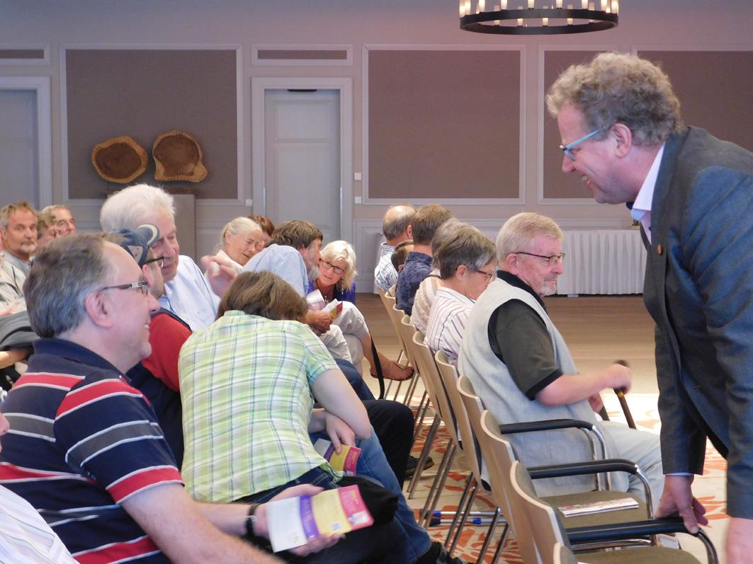 Bürgermeister Detert Brummer-Bange begrüßte den prominenten Gast. Der Veranstalter war die UWG Ankum.