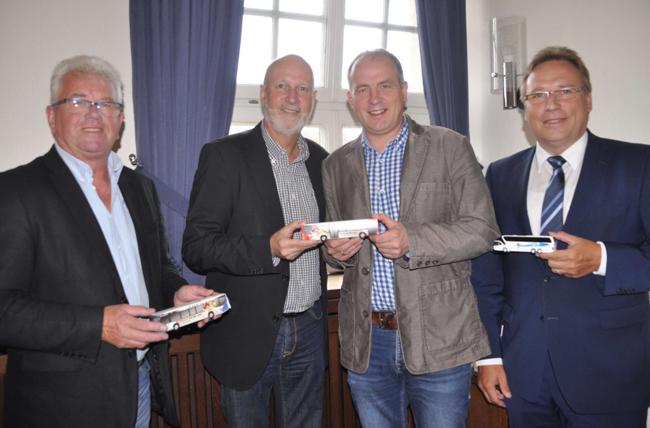 Eines der letzten Meeting: Der Bahnhalt und bessere Busverbindungen waren das Thema beim Treffen von Dr. Stephan Rolfes(PlanOs, 2. v. links), Samtgemeindebrügermeister Dr. Horst Baier und Harry Lindt (links) sowie Siegfried Hüls (2. von rechts) vom SPD-Ortsverband Alfhausen.