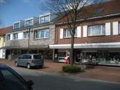 Noch hat Bersenbrück im innerstädtischen Bereich, wie hier in der Lindenstraße, ein gutes Angebot an Geschäften.