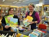 Jeannette Hammel (links) und Barbara Sievers freuen sich auf den Bücherbabytreff im Kinderzentrum am 20. November. © Foto Samtgemeinde